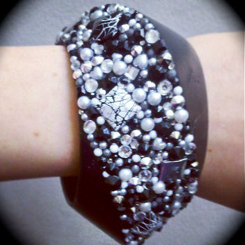 Black and White Tri-Pannel Fiesta Bangle