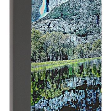Yosemite National Park Poster - Portable Battery Charger