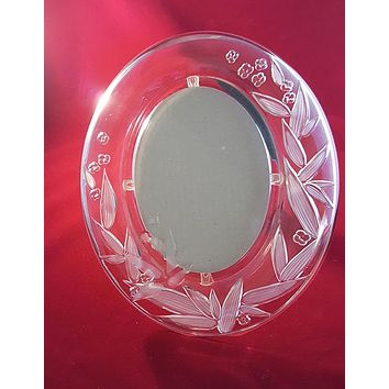 Oval Glass Picture Frame with Frosted Leaf/Flower Design