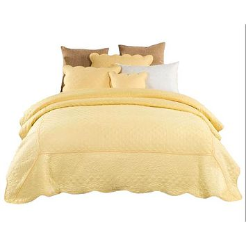 Tache Yellow Matelasse Buttercup Puffs Quilted Bedspread Set (YELLEMDES)