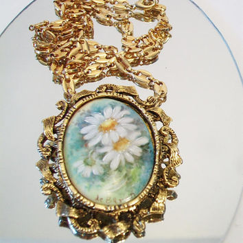Vintage Daisy Cameo Pendant Necklace West Germany Floral Costume Jewelry Gold Tone