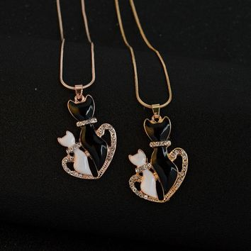 European and American Fashion Accessories Cute Animal Love Cat Pendant Necklace Personalized Pet Charm Jewelry Gift For Couple