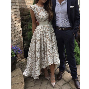 Hi Lo Gown Lace Bridesmaid Dresses Cap Sleeves Champagne Tulle and White Appliques Party Dress for Wedding Maid of Honor Dress