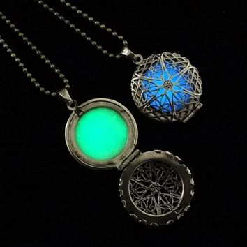 Locket #8: Dainty Burst Graphic Steampunk Style Armomathrapy Hollow Locket Necklace That Glows In The Dark