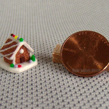 Quarter Scale Miniature Gingerbread House - Christmas Dollhouse Decoration - 1:48 scale - Diagonal Lines Roof