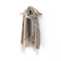 Cream Geometric Wave Pattern Fringed Knitted Scarf