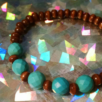 Faceted Turquoise & Wood Beaded Stretch Bracelet Relaxing Calming Fashion