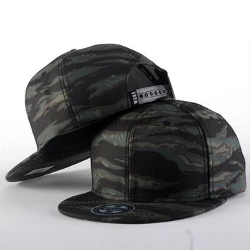 Camouflage sports caps Soft and Comfortable for outdoor Sports Running Caps Suitable men and women With Round Eaves