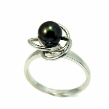 South Seas Black Tahitian Pearl Ring 14k White Gold