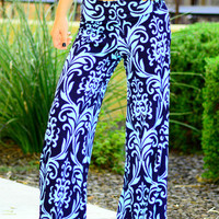THE PERFECT PALAZZO PANTS IN NAVY