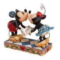 Disney Traditions by Jim Shore 4013989 Mickey and Minnie Mouse Kissing Figurine 6-1/2-Inch
