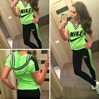 Nike Fashion Hooded Sport Gym Set Two-Piece Tops Pants Sportswear