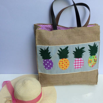 Pineapples applique on burlap, unconventional bag, beach tote bag, handmade tote bag, Casual Tote Bag