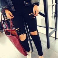 Black Skinny Jeans with Ripped Leg - Choies.com