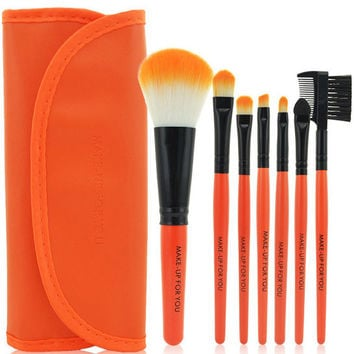 Orange Travel Brush Kit,7 Piece 1 set