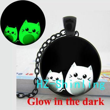 Glow in The Dark Jewelry Cut Cat Necklace Lovely Cats Pendant Glass Cabochon Animal Jewelry Glowing Necklace