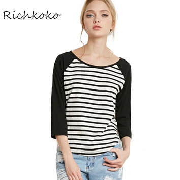 Fashion Stripe Women T-shirt O-Neck Three Quarter Sleeve Casual Tops Tees Patchwork Brife Loose Basic Female T-shirt