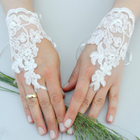 White lace gloves white lace cuffs collar wrist by WEDDINGHome