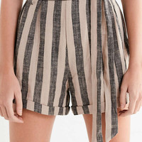 UO High-Rise Striped Paperbag Short | Urban Outfitters