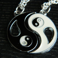 BLACK And WHITE Yin Yang Couples/ Best Friends Silver Pendant Necklace. Funky.Gift