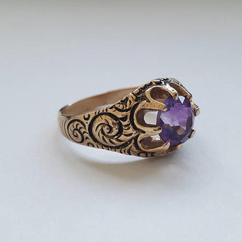 Beautiful antique amethyst and enamel ring