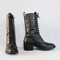 vintage BLACK leather lace up boots w/ heel 75 by secretlake