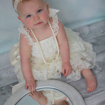 First birthday girl dress. Flower girl dress. Lace flower girl dress.  2nd birthday outfit. Toddler dress. Petti lace dress. Birthday girl o