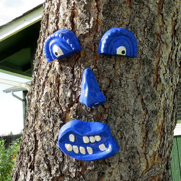 Tree face, Concrete tree face, hand painted tree face, fence art, yard art, Royal blue face, concrete face