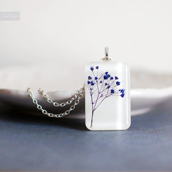 real flower necklace, pressed flower botanical resin jewelry - Real Baby Breath Flowers-nature necklace, gift for a woman, gift under 40