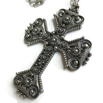 Vintage 1974 Limited Edition Florentine Pewter Cross Pendant Necklace signed Sarah COVENTRY