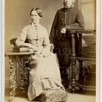 CDV Photo Carte de Visite Victorian Couple Man Woman Portrait - The Star Photographic Co. Southampton Hampshire - Antique Photograph