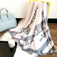 Fendi 2019 new women's personality trendy small scarf