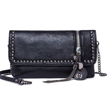 Women Messenger Bags Crossbody Women Bag Luxury Brand  Leather Cool Skull Rivet Tassel Bag Black