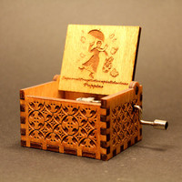Engraved  wooden music box (Supercalifragilisticexpialidocious - Mary poppins)