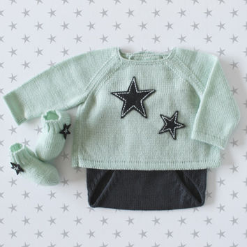 Knit baby set. Sweater, diaper cover, socks. Pastel green and gray. Felt stars. 100% Merino. READY TO SHIP size newborn.