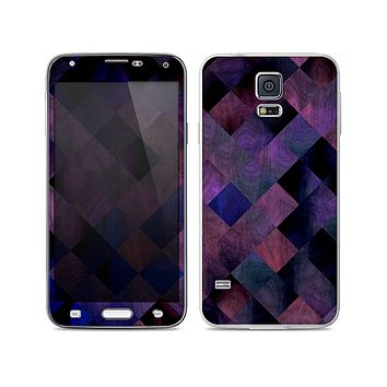 The Dark Purple Highlighted Tile Pattern Skin For the Samsung Galaxy S5