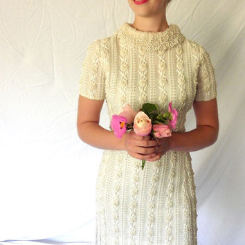 1960s Lovely Beaded Lace Wedding Mini Dress // Royal Cathay Short Sleeved // Short with Statement Beaded Pearl Collar SIZE 10 Vintage