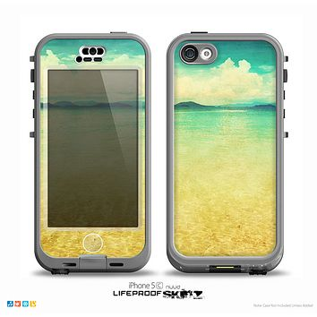 The Vintage Vibrant Beach Scene Skin for the iPhone 5c nüüd LifeProof Case