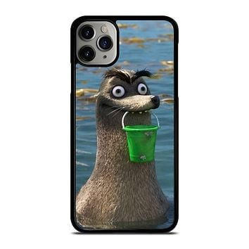 GERALD FINDING DORY iPhone Case Cover
