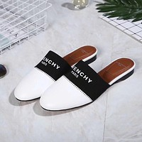 Givenchy  Fashionable casual slippers