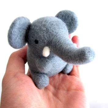 Felt Elephant, Needle Felted Elephant, Felt Animal, Wool Elephant, Elephant Ornament, Handmade Elephant Gift, Baby Elephant, Art toy, OOAK