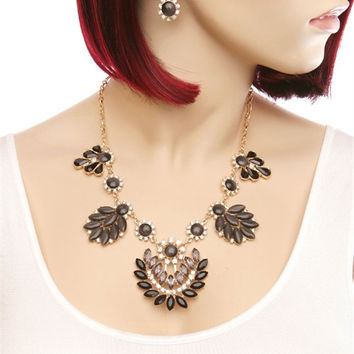Black Gold Flower Necklace & Earning Set