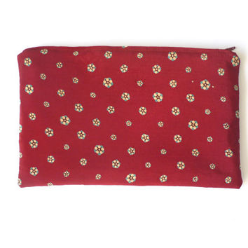 valentine gift Silk cosmetic bag, Japanese pouch small zipper pouch, deep red, snow berry, kimono silk, Japanese fabric