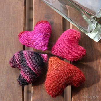 Stuffed hearts knitting pattern - Hearts for mobile, gifts and more - DIY christmas decoration, pdf download, for beginners and advanced