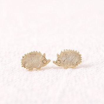 Shuangshuo New Arrival Punk Hedgehog Stud Earrings for Women Simple Animal Earrings Fashion Jewelry pendientes mujer moda ED012