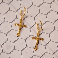 Espíritu Santo Cross Earrings