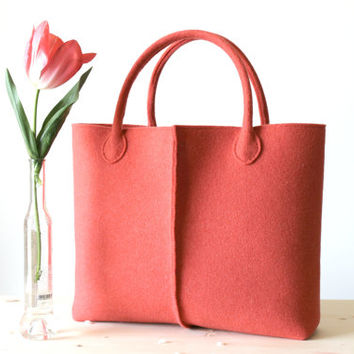 Elegant and Casual coral felt bag from Italy. Tote bag, Felt bag, Wool felt bag, Felted tote bag, bag for women..