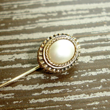 Vintage Pearl Stick Pin, Signed Sarah Coventry Cov Oval White Glass Pearl Gold Tone Hat Pin, Boutonnière Lapel Pin, Brooch, Estate Jewelry