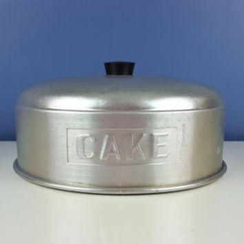Vintage Cake Cover Metal Aluminum, 1950s Bakeware, Cake Carrier, Cake Cover, Vintage Kitchen Decor, 1950s Kitchen Decor, Vintage Bakeware