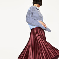 PLEATED MIDI SKIRT DETAILS